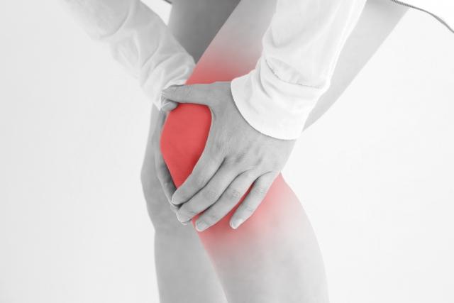 変形性膝関節症はどんなことが原因になって、治る病気なのか?